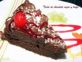Pastel de chocolate negro y trufa