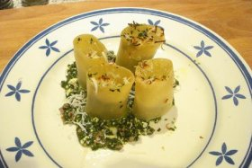 Pasta Schiaffoni rellena de ricotta, espinacas y longanizas