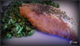 Arroz verde con salmón y gambitas