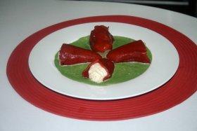 Recetas caseras : Pimientos del piquillo rellenos de brandada de bacalao y salsa de espinacas