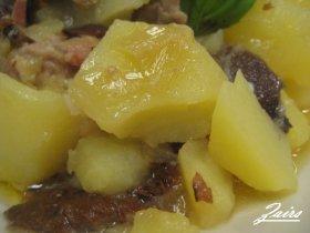 Patatas con níscalos o robellones
