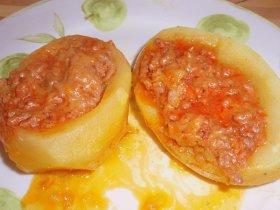 Patata rellena a la boloñesa
