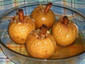 Manzanas asadas al ron y canela