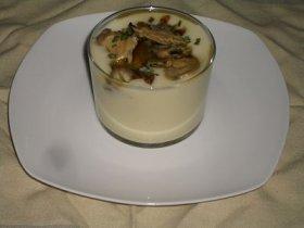 Crema de patata y ajos confitados con almejas al jamón serrano