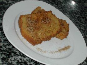 Torrijas de leche en pan casero