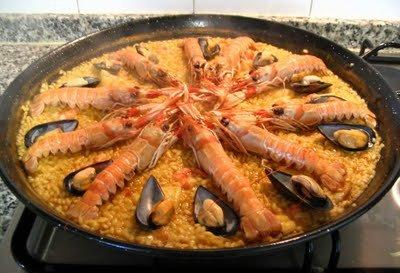 Paella valenciana marinera