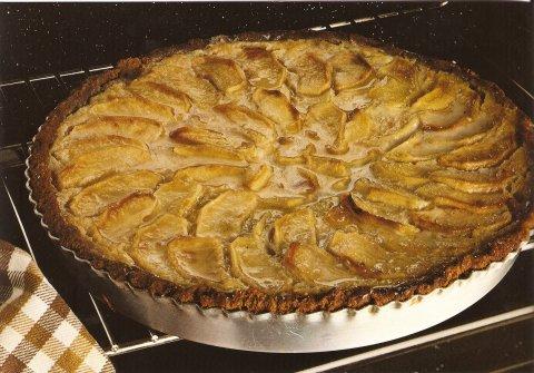 Tarta de manzana con galletas maria