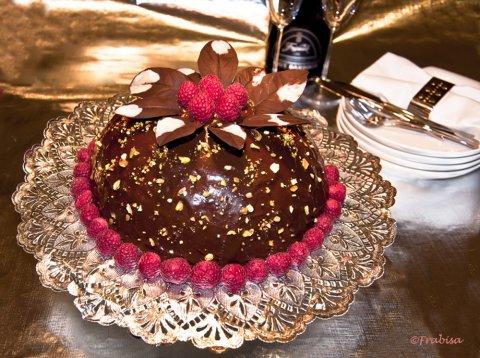 Tarta bomba de chocolate y turrón