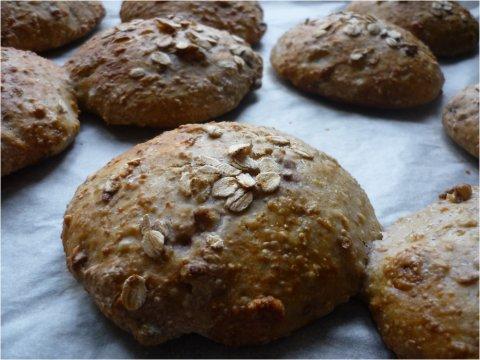 Bollitos de pan caseros estilo escandinavo