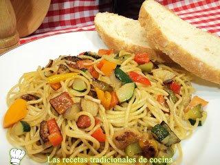 Espaguetis con verduras casero
