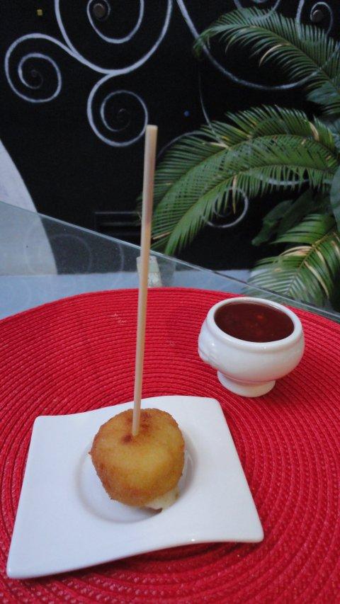 Recetas caseras : Croquetas de queso de cabra y cebolla caramelizada