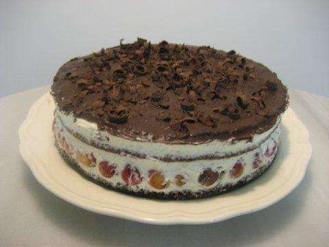 Tarta selva negra con cerezas