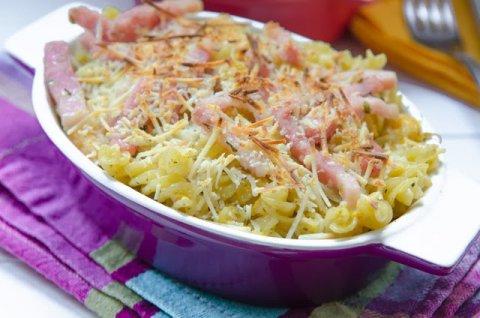 Espirales gratinados con salsa de calabaza y queso