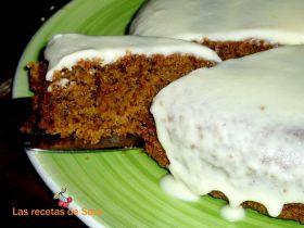 Torta de zanahoria con glaseado blanco