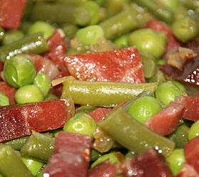 Guisantes y judías verdes con jamón